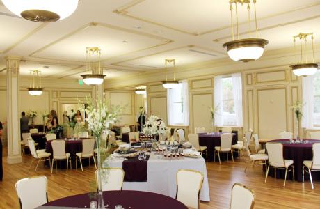 Elegant ballroom setting for your wedding