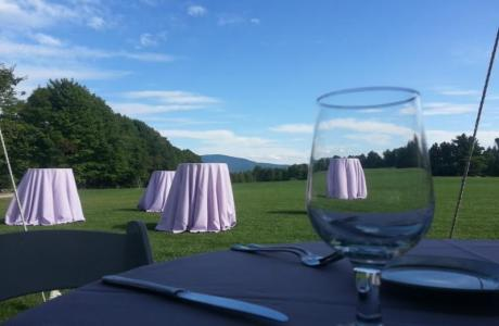 An Ivey Field wedding with the majestic Mt. Kearsarge as its backdrop.