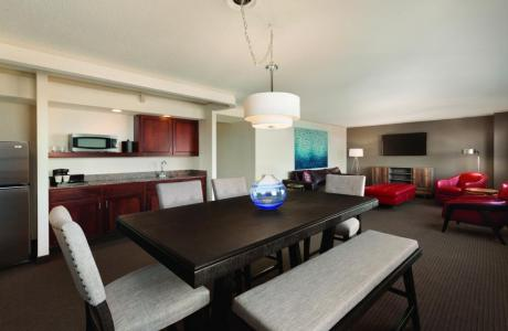 VIP Suites - The Embassy Suites by Hilton, attached to Th Grand