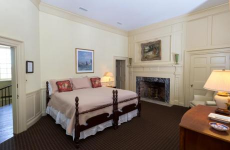 Spend the night in the Lloyd Suite in the main manor house