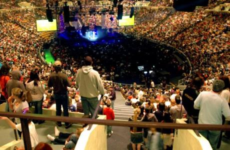 The end arena set up seats 7,536 persons