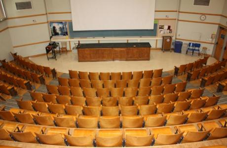 Our lecture halls can accommodation general sessions for groups from 40 to 200.