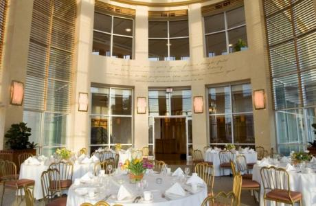 With windows looking out on to the Museum and Union Square Park, the Lincoln Reception Room is an ideal venue for daytime breakfasts and luncheons.