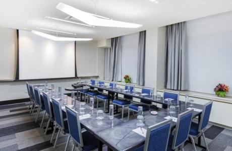 U-Shape in Michigan Meeting and Banquet Room