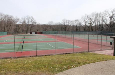 12 Outdoor Tennis Courts