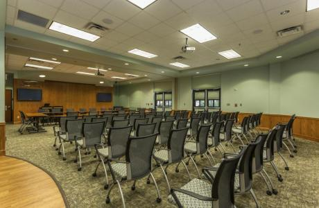 Meeting space for 100, can be divided, equipped with Windows laptop & projectors