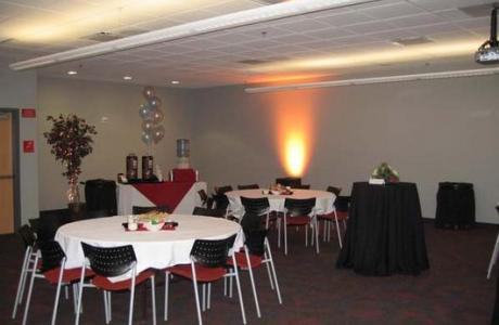Meeting rooms can be set up according to your needs.