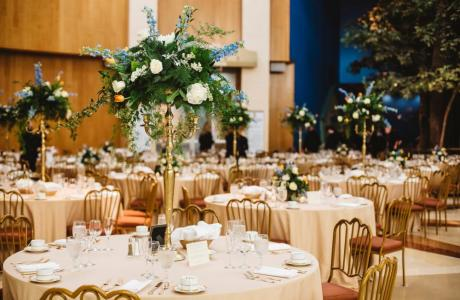 A magical wedding reception with gold decor and accents. (Photo by Willow Lane Photography)