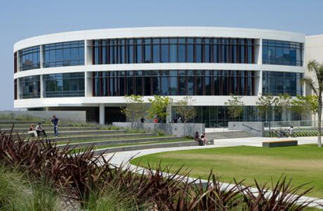 Loyola Marymount University - William H. Hannon Library
