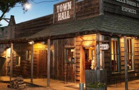 Town Hall Restaurant & Taproom