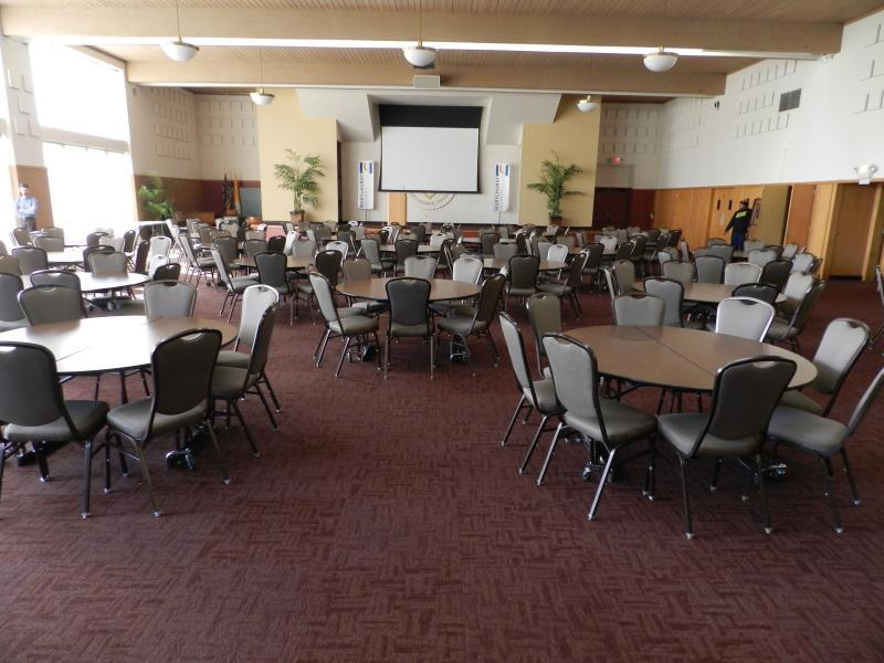 Large banquet hall for conferences and wedding receptions alike