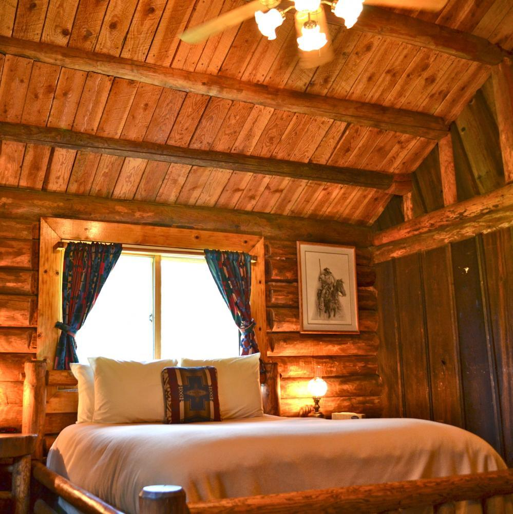 Private Cabins - Red Horse Mountain Ranch