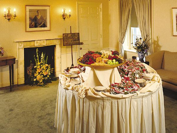 Goodstay Mansion Food Display