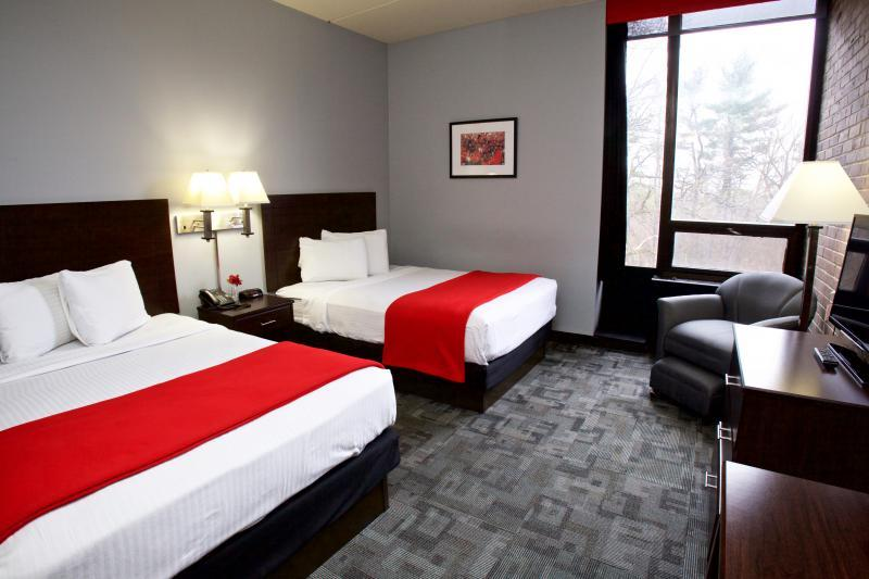 Rutgers University Inn Double Guest Room