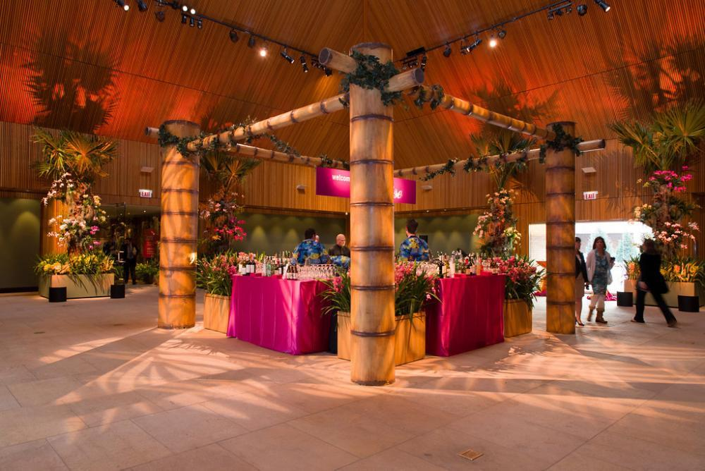 Rehearsal dinners, to weddings, Chicago Botanic Garden offers many options for you and your guests.