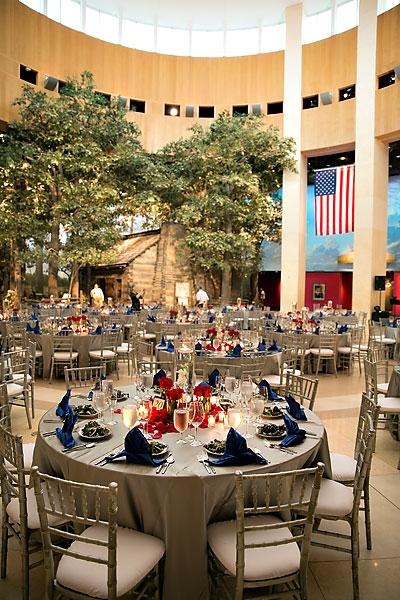 A summer wedding reception. (Photo by Matt DeBackere Photography)