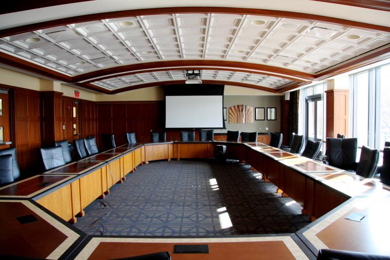 Sphinx Centennial Leadership Suite and 34 Dynamic and Flexible Meeting Spaces