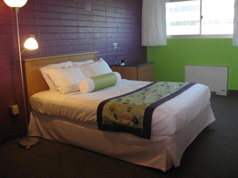 Two-room Guest Suites provide queen beds, and separate living room.
