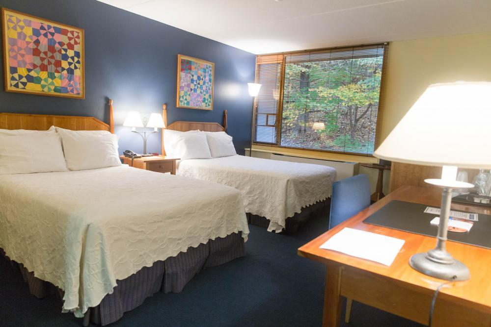 20 Hotel Rooms Available in the Willits-Hallowell Conference & Hotel