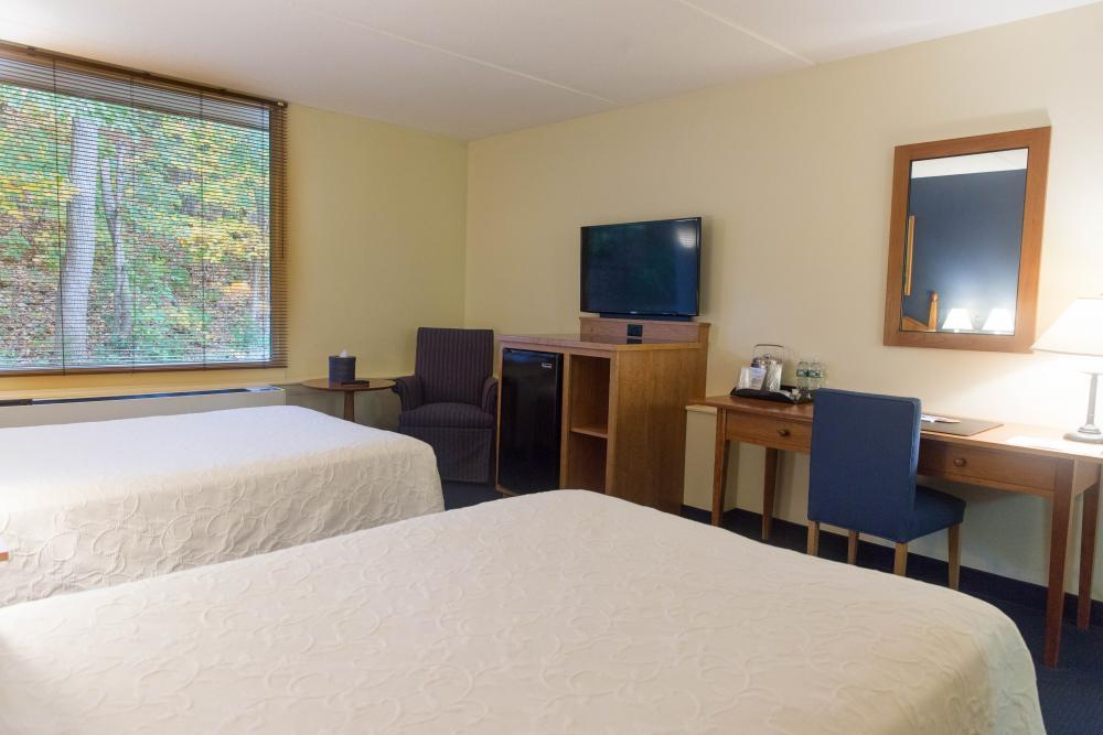 Willits-Hallowell Center Guest Room