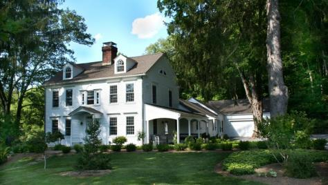 Gracious Historic 1790 Classic Colonial