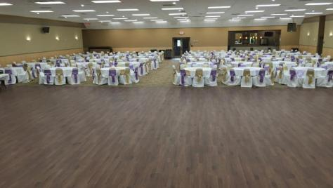 120 Napoleon hall with round tables