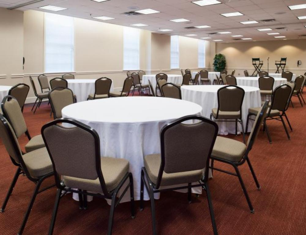 Let us set the rooms in your preferred style- pictured is crescent round style.