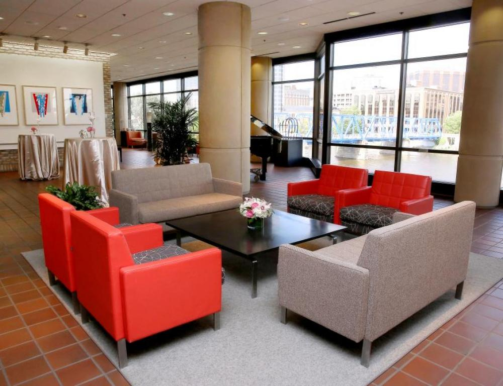 L.V. Eberhard East Lobby - Reception and exhibition space