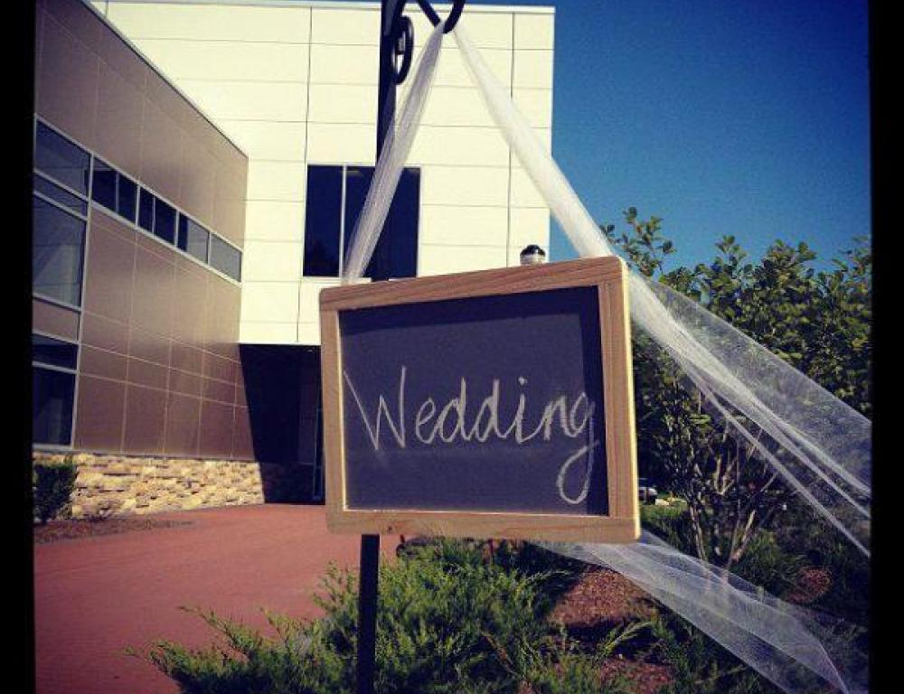 Hold your wedding at SNHU, our banquet hall is the 2nd largest venue space in Manchester and is affordable for all budgets