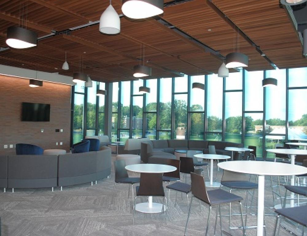 Bowers Wellness Center: Lounge