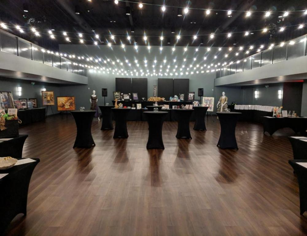 Encore Room with Bistro Lights