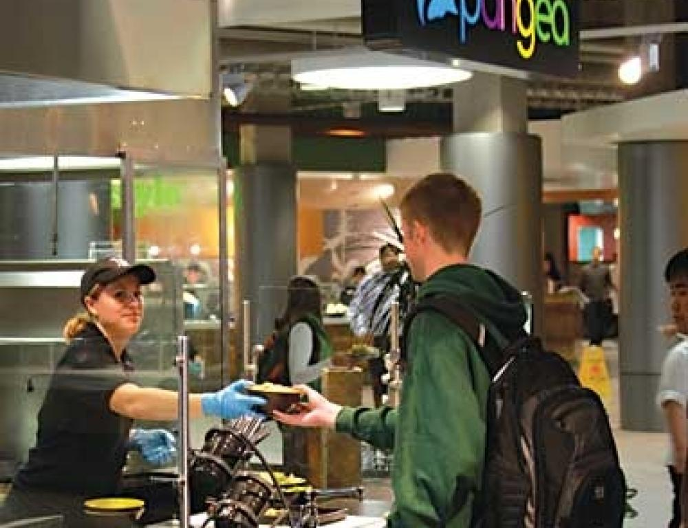 Station dining at Brody Square