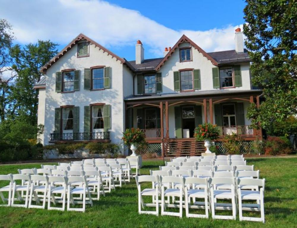 Ceremonies, presentations and dinners on the South Lawn enjoy having the Cottage as a beautiful backdrop.