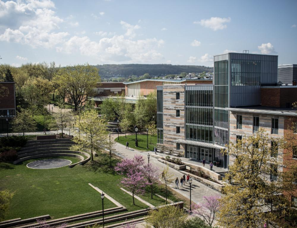 The Dionne Green, Commons, and Loyola Science Center on a sunny Scranton day.