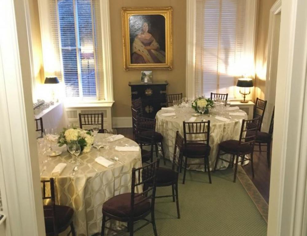 Intimate Seated Dinner at Historic Tudor Place