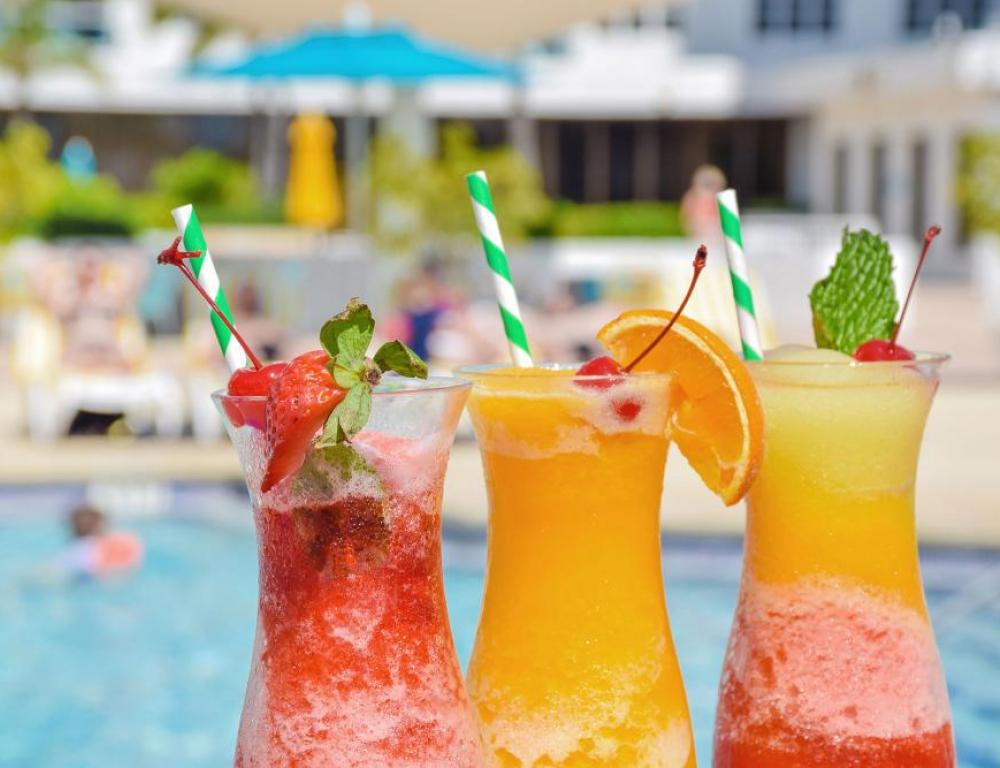 Drinks by the pool