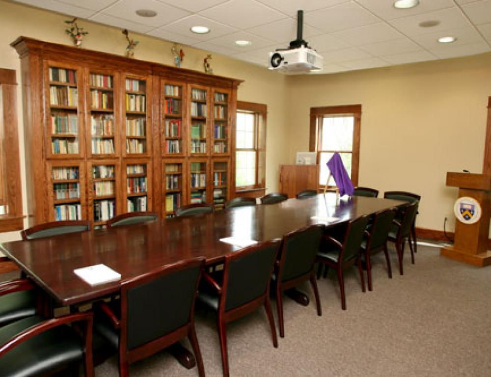 The Evans Seminar Room opened in 2010. It seats 20 to 25 people comfortably and features a digital projector and screen.