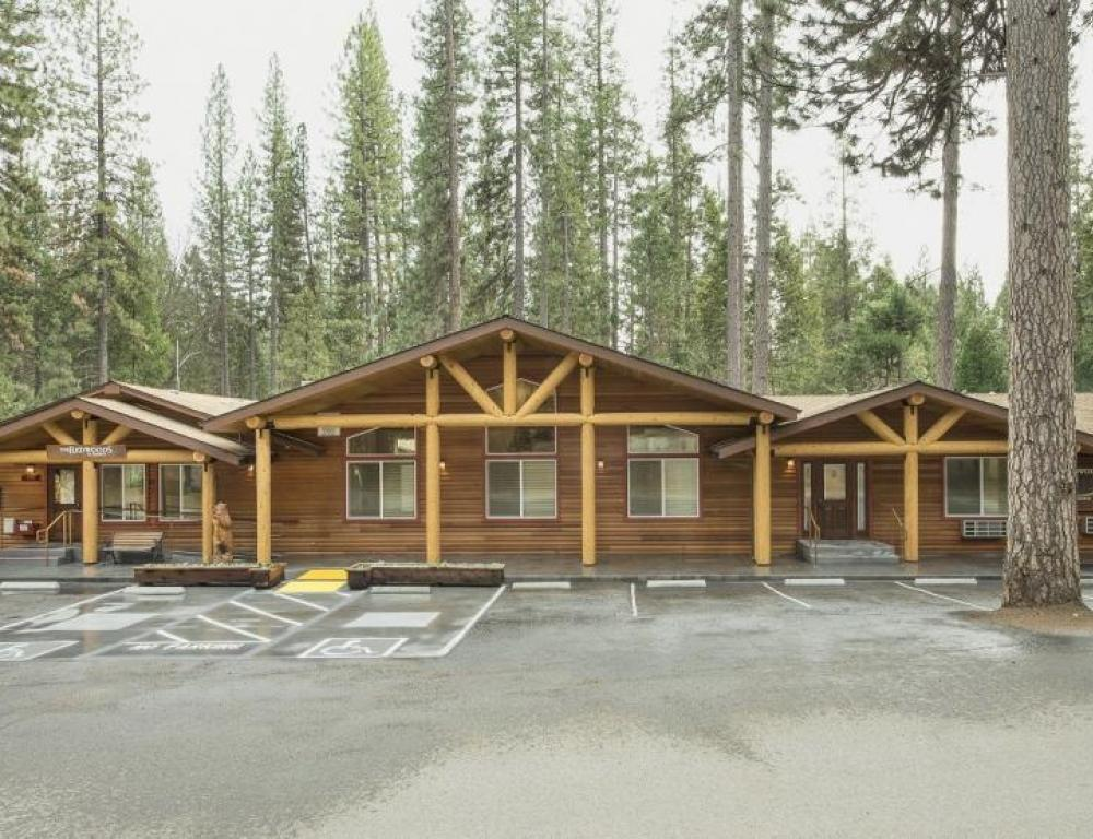 Event Center with Fireside Room, Fireside Deck, Board Room, Catering Kitchen