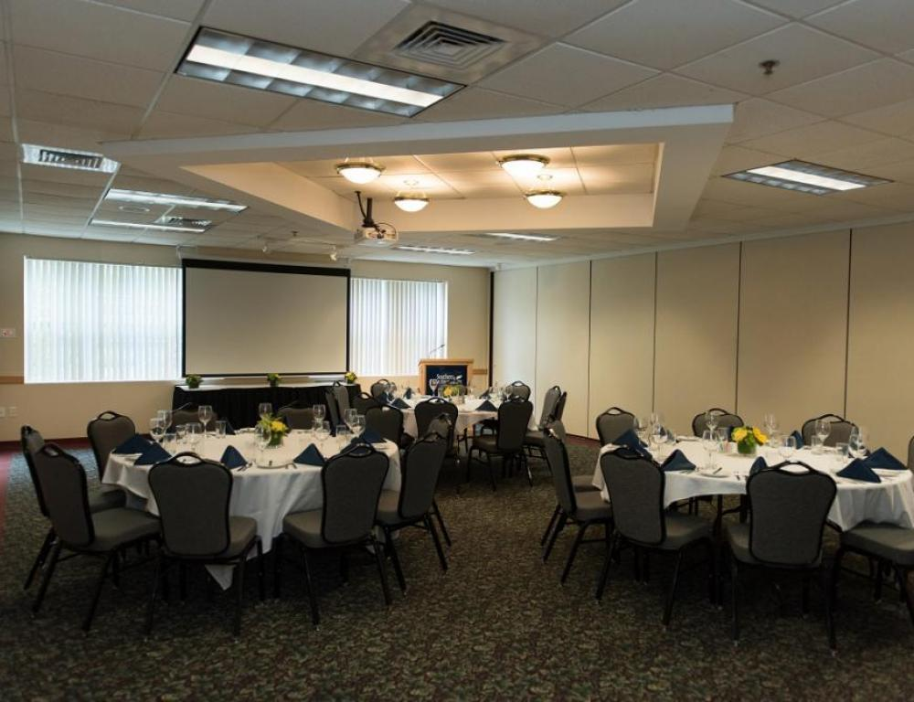 Our Hospitality Salons can accommodate groups of many sizes.