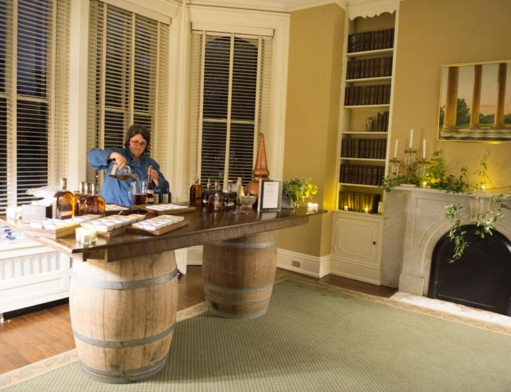Event Space and Bar in Historic House at Tudor Place