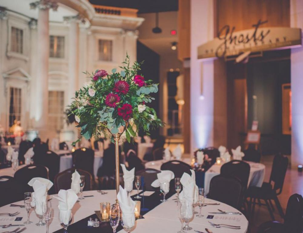 A Fall wedding dinner at the Museum. (Photo by Kara Evans Photographer)