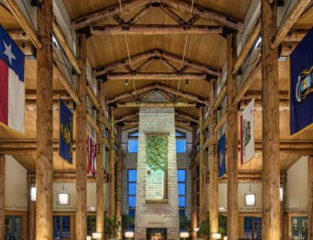 Lied Lodge & Conference Center lobby