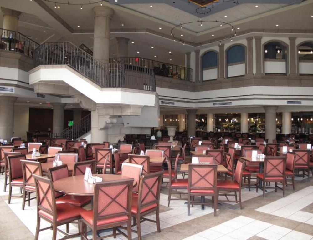 Lower Level Seating at Pavilion Dining