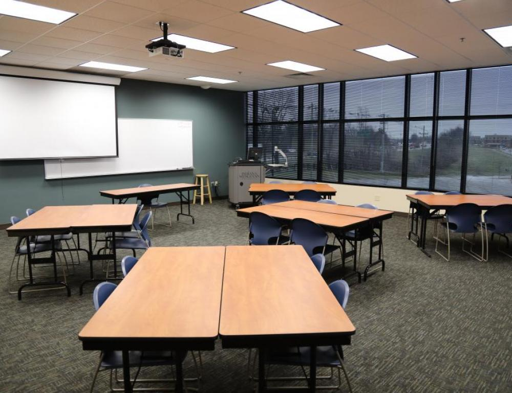 IWU Lexington - Classroom in Pods of 4 seating