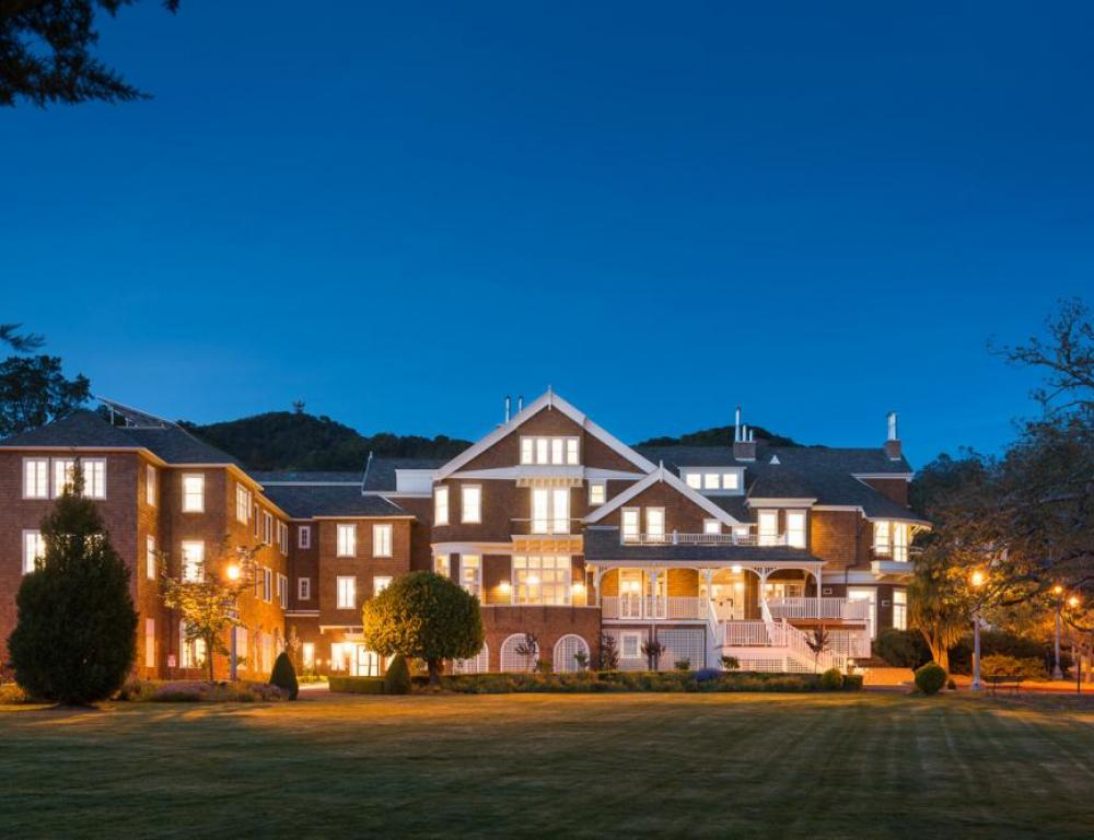 Meadowlands Mansion at Dominican University of California