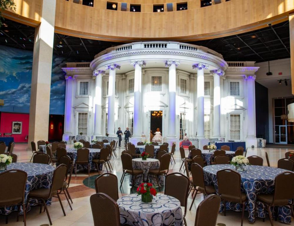 The Plaza with beautiful blue lighting and linens. (Photo by DMS Photography)