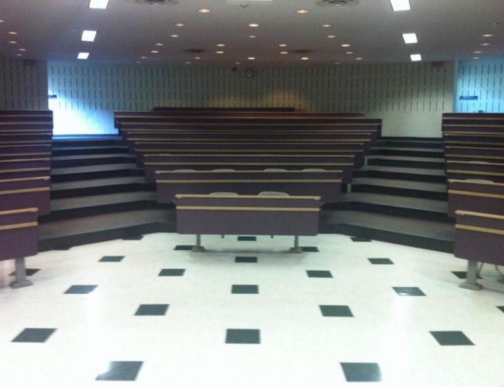 Lecture theatre with a capacity of 213 people