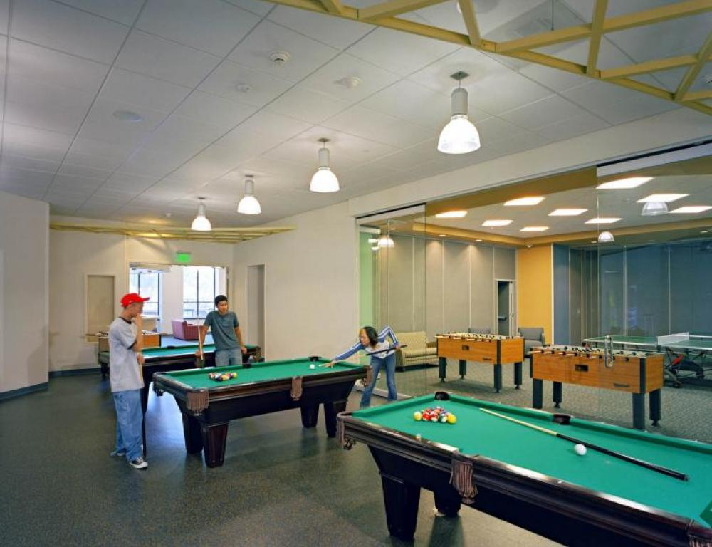 One of SJSU's Recreation Rooms, with pool