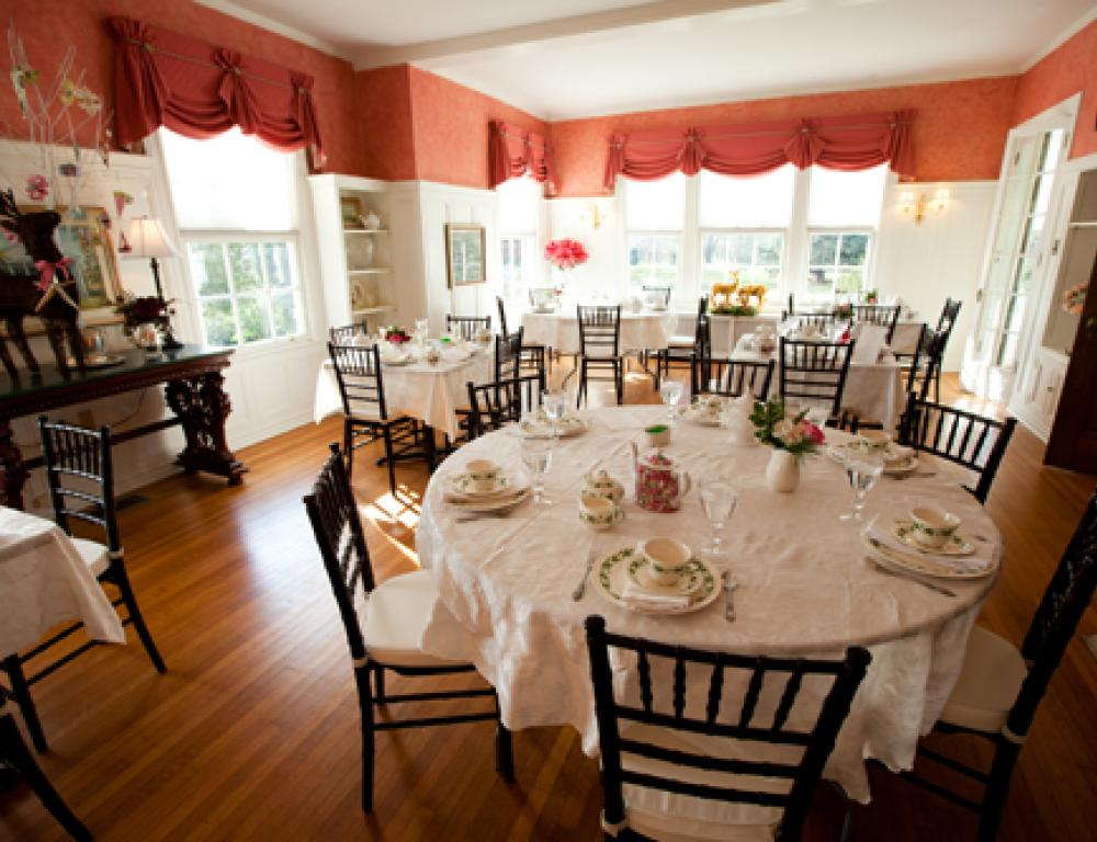 The Rosemont Dining Room is perfect for dining or meeting space