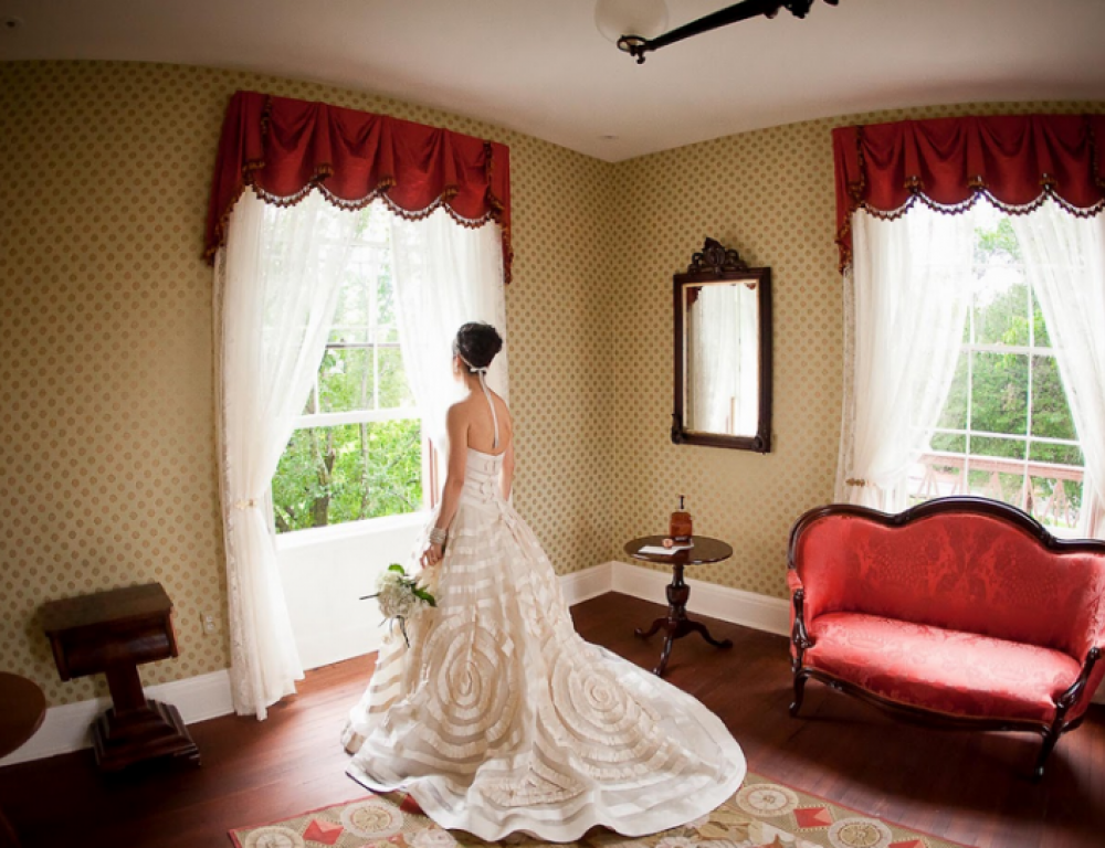 The Wedding Suite in the the Cottage is a beautiful backdrop to capture the day's memories.